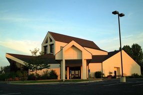 Advent Lutheran Church in Olathe,KS 66062