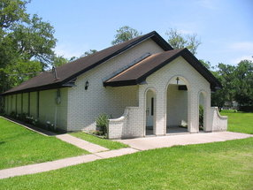 Christ Our Savior Lutheran Church-Angleton,Texas in Angleton,TX 77515-7627