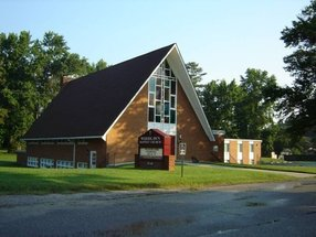 Woodlawn Baptist Church in Colonial Heights,VA 23834-1565