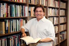Dr. Wesley  Avram